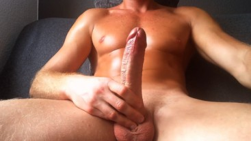 Horny guy wants to fucks apussy but it's too tight