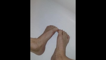 Punk twink jerks off, cums on feet