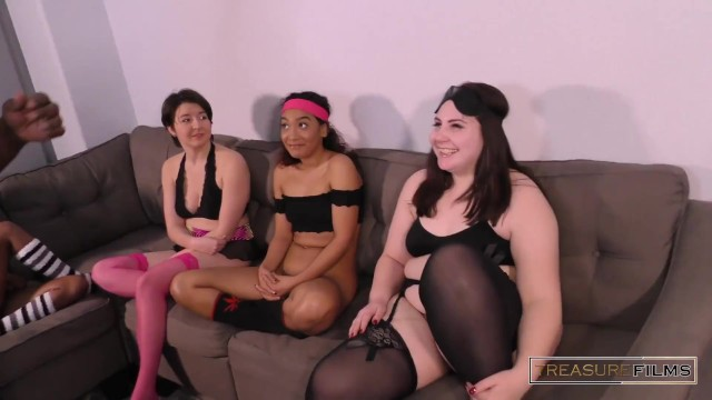 Blindfold pussy licking contest Who Ate My Pussy The Blindfolded Game Show Modelhub Com