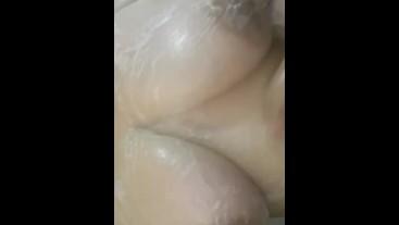 Mi novia me  envía  video de sus ricas tetas