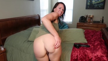 Riley Jacobs stretching out her pussy on thick black dildo