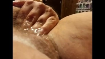 Short but sweet up close squirt