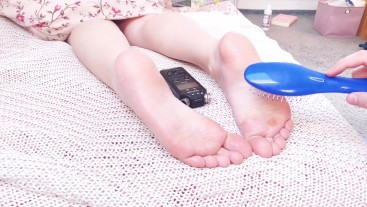 MILF SENSETIVE FEET TICKLE TORTURE