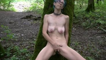 Willamina masturbates with Nature