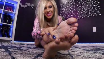 The Mature Feet Experience - Nikki Ashton