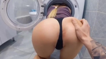 My big-ass step sister was stucked in washer. FUCKED SISTER'S PUSSY