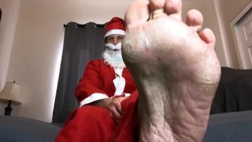 POV Santa Makes Homo Lick His Dry Feet