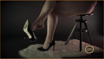 Mistress in high heels makes you sniff her sexy feet and orders you to saw your dick - Ely Mira